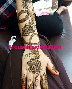 50 Most Attractive Rose Mehndi designs to try - Wedandbeyond Latest Henna Designs, Floral Henna Designs, Modern Mehndi Designs, Mehndi Design Pictures, Mehndi Designs For Girls, Wedding Mehndi Designs, Mehndi Designs For Fingers, Dulhan Mehndi Designs, Beautiful Henna Designs