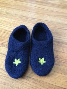 Child's Handknit & Felted Slipper Non Slip Sole by CozeeQuilts