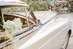 American Wedding  www.romeosyjulietas.es  Foto de Love Me Tender  www.lovemetenderphoto.com  #car #vintageweddings