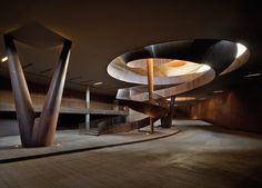 The staircase is a fundamental element for theconnection of architectural spaces. But beyond its functional use, inmanyprojects the...