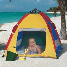 Beach tent: lightweight, easy to set up.