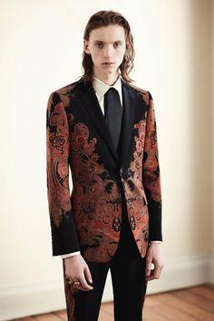 Alexander McQueen Fall 2017 Menswear collection.