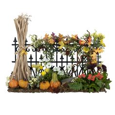 this gives me an idea for the neglected flower bed along side the house. Use piece or two of old fence and decorate for the season.
