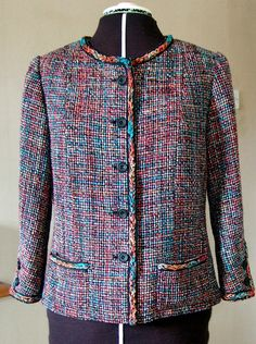 Tutorial by annrowley via Flickr of a Chanel style jacket by Claire Shaeffer for Vogue - 94 steps 70+ pictures!!!!!