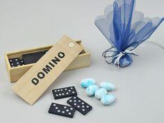 Πρωτότυπη Μπομπονιέρα Βάπτισης Παιχνίδι Ντόμινο. Ενθουσιάστε τους μικρούς καλεσμένους σας με αυτήν την μπομπονιέρα και χαρίστε τους ένα μοναδικό παιχνίδι.#Μπομπονιέρες βάπτισης,#υλικα για μπομπονιερεσ,#μπομπονιερεσ βαπτισησ για αγορι,#μπομπονιερεσ βαπτισησ για κοριτσι,#οικονομικεσ μπομπονιερεσ βάπτισησ.