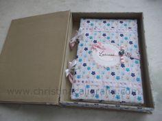 Livro de Recordações e caixa, revestidos em tecido. Uma ótima ideia para presentear.