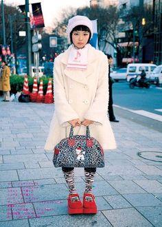 Japanese Street Fashion Photo by Shoichi Aoki Quirky Fashion, Lolita Fashion, Cute Fashion, Fashion Photo, Harajuku Girls, Harajuku Fashion, Japan Fashion, Japanese Street Fashion, Korean Fashion