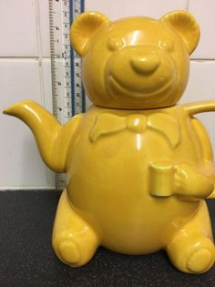 P & K Yellow Bear Teapot - Made in England - Ceramic Animal Teapot Tea Pot