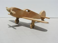 Avion de chasse en bois par AThirdLife sur Etsy