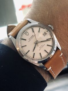 Vintage Watches For Men, Vintage Men, Patek Philippe, Watch Drawing, Rolex Watches, Wrist Watches, Time And Tide, Mens Sport Watches, Wall Mounted Tv