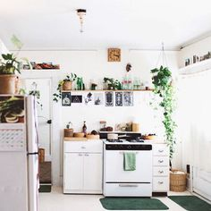 birdasaurus: Rachel Lunghi (An Early Morning Walk) dream kitchen white open shelf shelving plant simple small wood bamboo countertop Sweet Home, Decoration Inspiration, Kitchen Inspiration, Decor Ideas, House Rooms, Apartment Living, Studio Apartment, Kitchen Decor, Boho Kitchen