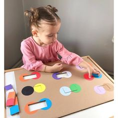 Create These Toddler Activities In Less Than 3 Minutes! Preschool Learning Activities, Infant Activities, Preschool Activities, Teaching Kids, Toddler Fun, Toddler Crafts, Baby Play, Kids Education, Kids And Parenting