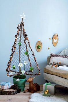 Do It Yourself Christmas tree Via...