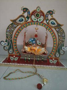 best zula for kanha Thali Decoration Ideas, Decoration For Ganpati, Diwali Decorations, Festival Decorations, Hobbies And Crafts, Diy And Crafts, Arts And Crafts, Paper Crafts, Wooden Crafts