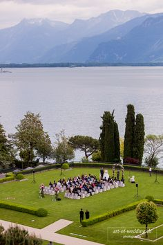 Weddings - Discover Fairmont Le Montreux Palace, hotel in 1820 Montreux and enjoy the hotel's spacious, comfortable rooms in Fairmont Hotel. Feel welcome to our elegant and luxurious hotel where we will make your stay an unforgettable experience. Palace, Fairmont Hotel, Wedding 2015, Real Weddings, Wedding Ceremony, Montreux, Dolores Park, Travel, Alps