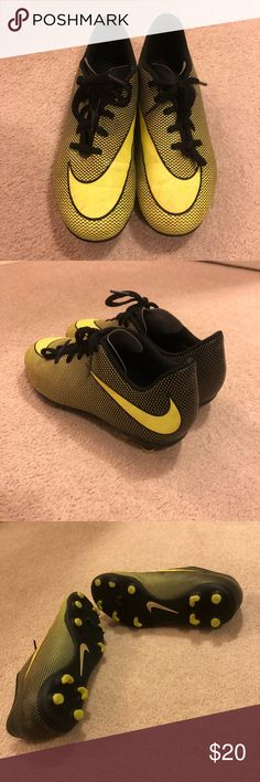 new concept 47c3a eeb97 Boys Nike Soccer Cleats Sz4.5 Good Condition. Boys Nike Soccer Cleats Sz4.