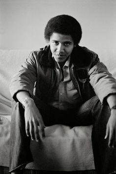 vintage everyday: Amazing B&W Photographs of Barack Obama as the Freshman in 1980