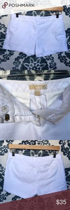 MICHAEL KORS SHORTS • EUC LIKE NEW • EUC MICHAEL KORS SHORTS • 97% COTTON 3% SPANDEX • CLEAN WHITE • GREAT QUALITY + CONDITION • WORN ONLY A FEW TIMES • ONLY STAIN IS SMALL & MICROSCOPIC SHOWN ON WAISTBAND, JUST NEEDS A GOOD DRY CLEANING • BACK POCKETS ARE STILL SEAMED SHUT (RIGHT IS BEGINNING TO UNSEAM) • CONSIDERING ALL OFFERS ⚓️ Michael Kors Shorts