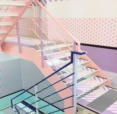 Colours - Stairway to Heaven. Excellent stairs from Opening Ceremony, Tokyo. Tor Design, Deco Design, Blue Design, Interior Architecture, Interior And Exterior, 80s Interior Design, Color Interior, Stairs Architecture, Escalier Design