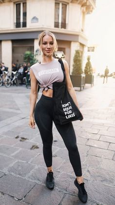26 Outfits to stay sexy while doing sport! - 26 Outfits to stay sexy while doing sport! Source by johannesstrobelhofstyle - Sport Outfits, Casual Outfits, Fashion Outfits, Summer Outfits, Gym Outfits, Fitness Outfits, School Outfits, Yoga Pants Outfit, Legging Outfits