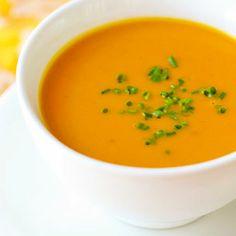 Sopa creme de abóbora com batatas