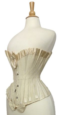 64e22e5181 Corset 1900 - slightly earlier and thus too high on the hips