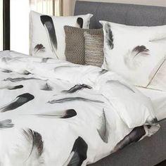 Pure Cotton Sef dekbedovertrek is een mooie aanwinst voor een zwart-wit interieur.