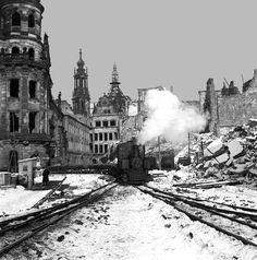 Zerstörte Gebäude | Rechte: Kurt Ueberschär Remembrance Dresden February 13th, 1945