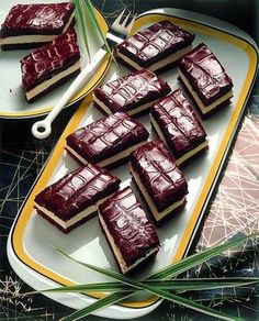 Ausburské řezy Sweet Recipes, Cake Recipes, Individual Cakes, Something Sweet, Nutella, Waffles, French Toast, Food And Drink, Cooking Recipes