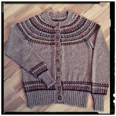 Feminin-kofte Knitting, Sweaters, Fashion, Moda, Tricot, Fashion Styles, Breien, Stricken, Sweater