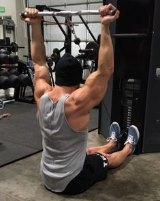 Back back back!!! Over head delt variation for the win! Tag a buddy and give it a shot - Are you following the Daily Pump? This exercise is part of the…