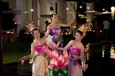 Never Settle Travel | Floating Lantern Festival | Chiang Mai, Thailand
