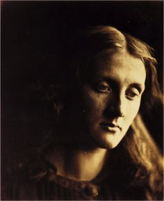 Julia Jackson, Pre-Raphaelite model and mother of Virginia Woolf. 1867.