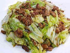 ◇豚ミンチとキャベツの味噌炒め◇の画像 Meat Recipes, Cooking Recipes, Minced Meat Recipe, Mince Meat, Chinese Food, Japanese Food, Sprouts, Cabbage, Pork
