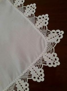 This Pin was discovered by Luc Crochet Boarders, Crochet Edging Patterns, Crochet Lace Edging, Crochet Motifs, Lace Patterns, Cotton Crochet, Crochet Designs, Crochet Doilies, Crochet Flowers