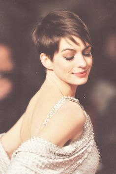 Anne Hathaway - cute short hair