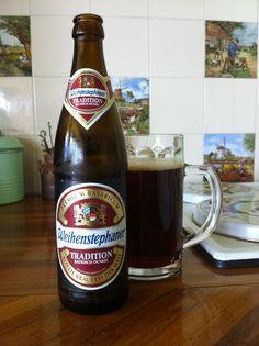 Weihenstephaner Tradition Bayrisch Dunkel -   3.27 -  www.ratebeer.com/beer/weihenstephaner-tradition-bayrisch-dunkel/18126/