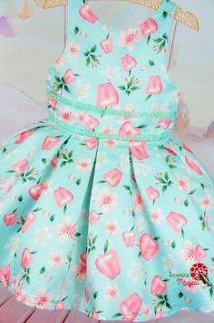 Vestido Infantil de Festa Maçãs Petit Cherie Kids Cotton Frocks For Kids, Kids Frocks, Toddler Girl Outfits, Toddler Dress, Kids Outfits, Little Girl Dresses, Girls Dresses, Baby Dress Design, Girl Dress Patterns