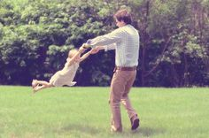 Daddy and daughter family photo shoot ideas.