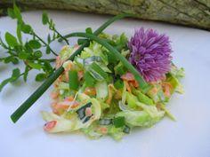 Tinskun keittiössä: Kesäinen kaalisalaatti grilliruokien kaveriksi