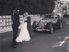 la ultima sesion de boda de este año! con Azahara y Tim en @hotellosmonteros #marbella #leica #wedding #boda #spain #boda #bentley #classic #bts #makinglove