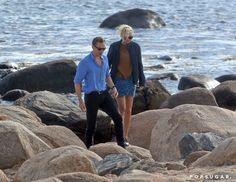 Pin for Later: Taylor Swift and Tom Hiddleston Pack On the PDA While Sweetly Sitting by the Ocean