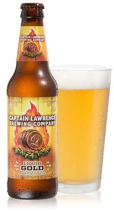 Cerveja Captain Lawrence Liquid Gold, estilo Belgian Pale Ale, produzida por Captain Lawrence Brewing Company, Estados Unidos. 6.5% ABV de álcool.