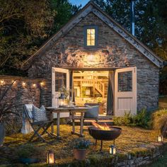Nestled deep in the beautifully refreshing Malvern Hills, Wishbone Cottage - a super-stylish converted barn – is like no property you've ever seen. Woodlands Cottage, Cottage In The Woods, Cozy Cottage, Cottage Style, Cottages Uk, Stone Cottages, Stone Cottage Homes, English Cottages, Cottages Anglais
