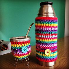 Crochet Mate and Thermos Pots And Pans Sets, Mug Cozy, Mint Candy, Kids Bags, Crochet Yarn, Crochet Pattern, Own Home, Diy And Crafts, Coasters