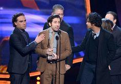 Titles: The Big Bang Theory, The 39th Annual People's Choice Awards Names: Johnny Galecki, Simon Helberg, Kunal Nayyar Johnny Galecki, Simon Helberg and Kunal Nayyar at event of The Big Bang Theory