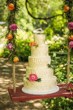 wedding cake idea; photo: LOVELY AND LIGHT