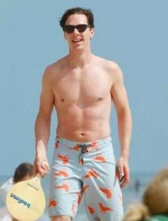 Forget rock-hard abs, Benedict's muscles are good enough!!