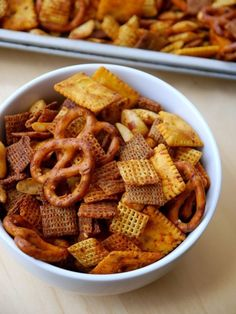 Spicy Sriracha Chex Mix | On the side | Scoop.it