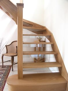Case Study: Mr Bond opts for a new open tread oak & glass staircase in Berkshire Cottage Staircase, New Staircase, Staircase Remodel, Staircase Makeover, Staircase Design, Stair Banister, Staircase Ideas, External Staircase, Wooden Staircases